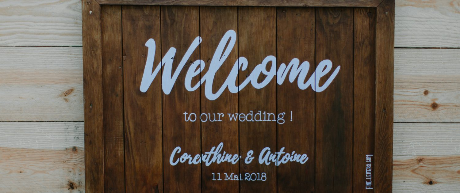 panneau de bienvenue en bois welcome to our wedding